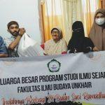 HMJ Ilmu Sejarah Unkhair Berbagi Paket Lebaran
